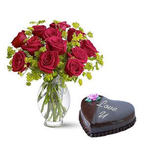 Roses Vase & Love Cake