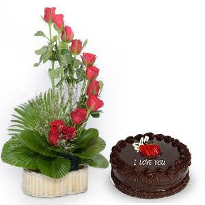 Love Cake & Roses