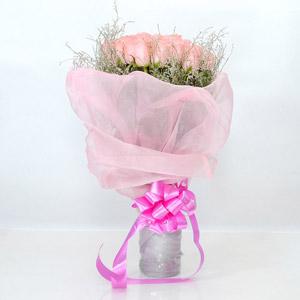 Fascinating Pink Rose Bunch